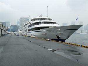 今回乗船した「シンフォニー・モデルナ号」です。